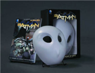 Batman: The Court of Owls Mask and Book Set The New 52